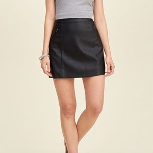 💕Hollister Faux Leather Skirt